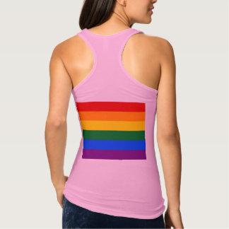 Flagga för regnbåge för kärlektypografigay pride tee