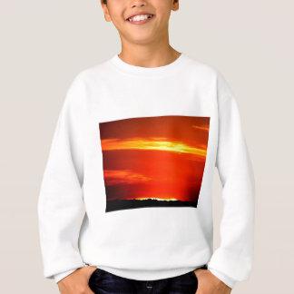 Flammande solnedgång tröjor