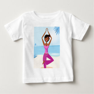 FLICKA FÖR YOGAMEDITATIONHAV: Purpurfärgad upplaga T Shirts