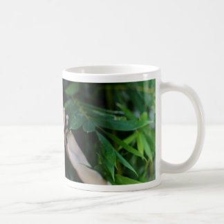 Flicka i skogen kaffemugg