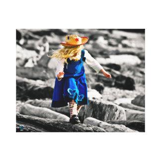 Flicka med blåttklänningen på canvastryck