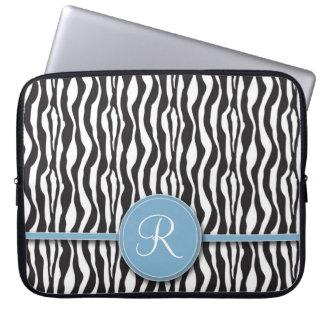 Flickaktigt laptop sleeve för blåttMonogramzebra t Laptopskydd Fodral
