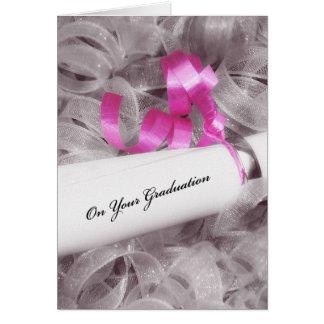Flickaktigt studentengrattis med det rosa bandet hälsningskort