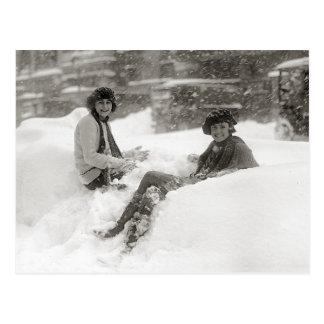 Flickor i snön, 1922 vykort