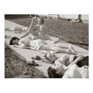 Flickor som solbadar, 1943 vykort