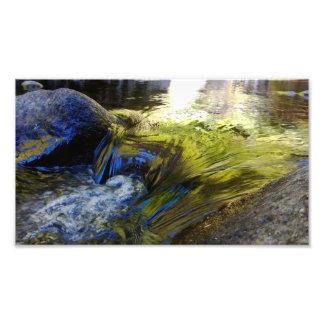 Flödande vatten fototryck