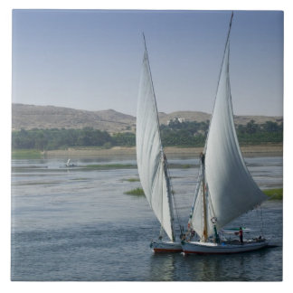 Floden Nile och använda segelbåtar som Kakelplatta