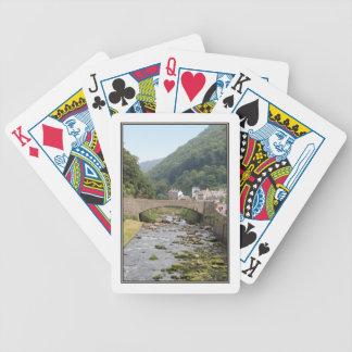 Floden och överbryggar i Lynmouth, Devon, England. Spelkort