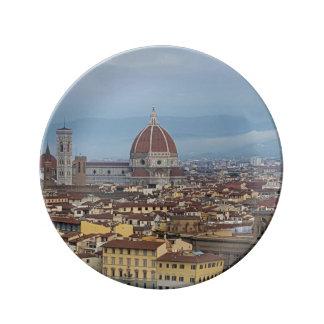Florence pläterar porslinstallrik