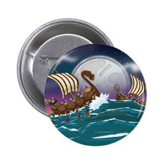 Flotta för tecknadViking invasion Standard Knapp Rund 5.7 Cm