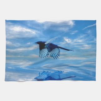 Flyga blåttskatan & reflekterad himmel handukar