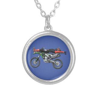 FMX - Flyg- Motocrossjippo III för fristil Silverpläterat Halsband