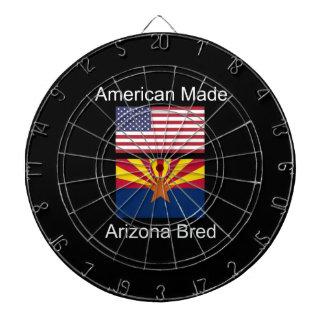 """""""Född amerikan. Arizona födde upp"""" flaggor och Dart Tavla"""