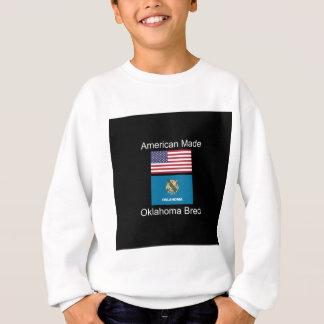 """""""Född amerikan. Oklahoma födde upp"""" flaggadesign T Shirts"""