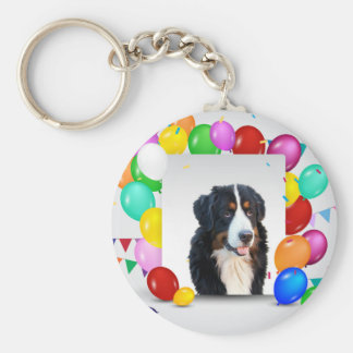 Födelsedag för ballonger för Bernese berghund Rund Nyckelring