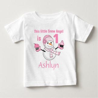 Födelsedag för muffins för vinterunderlandsnögubbe tee shirts