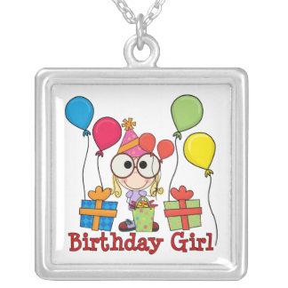 Födelsedagflicka Halsband Med Fyrkantigt Hängsmycke