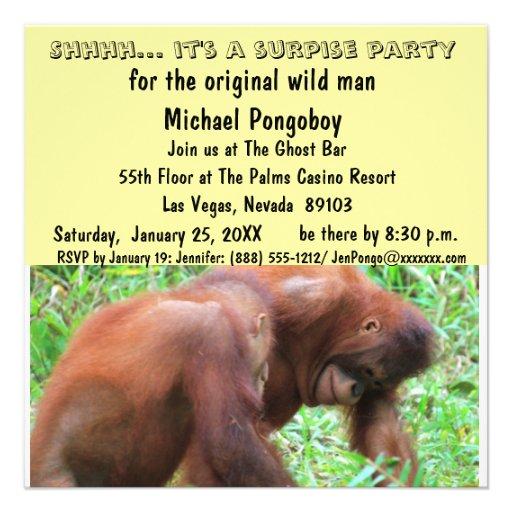 Födelsedagsfest för vildmanöverrrakning anpassade inbjudan