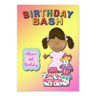 Födelsedagsfest inbjudan för födelsedagvåldsamt