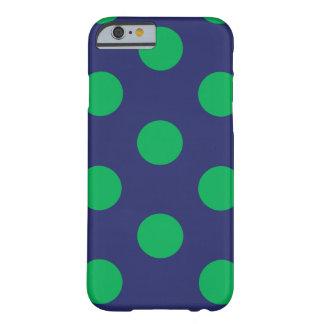 fodralpolkaen för iPhone 6 pricker marinblått & Barely There iPhone 6 Skal
