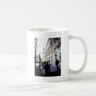 Folk för européstadsVilnius gata Kaffemugg