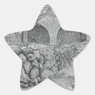 Fontän av oskulden på Ain Karim av James Tisso Stjärnformat Klistermärke