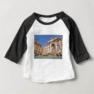 Fontana di Trevi i Rome, italien T Shirts