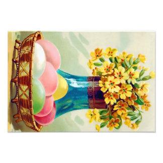 För äggvas för påsk basket färgade daisy fototryck