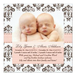 För babymeddelande för twillingar damastast rosor fyrkantigt 13,3 cm inbjudningskort