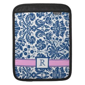 för beställnings- rosa blom- damast Monogramblått iPad Sleeve