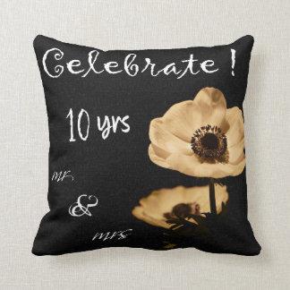 För bröllopfirande för anemon 10th dekorativ kudde