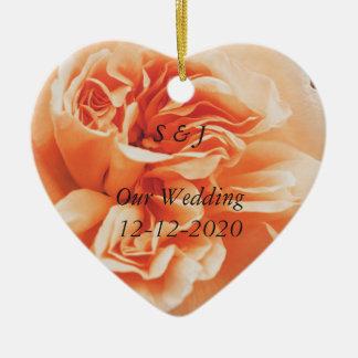 För brölloptema för persika rosa prydnadar hjärtformad julgransprydnad i keramik