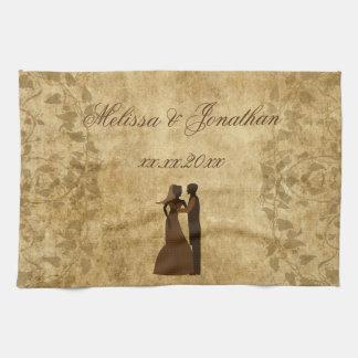 För brudbrudgum för vintage pappert bröllop en kökshandduk