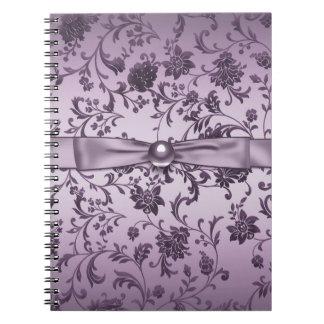 För damastspiral för lavendel purpurfärgad anteckningsbok