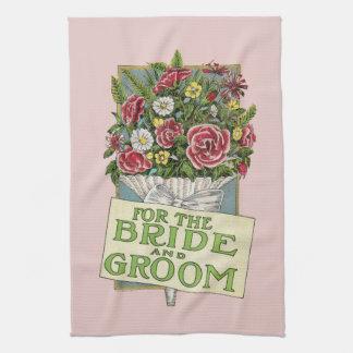 För de rosa Vintage-Stil för brud och för brudgum  Kökshandduk