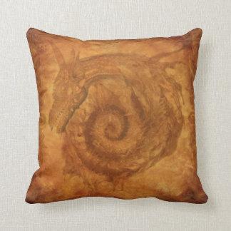 För drakefantasi för Celtic spirala drakar för Kudde