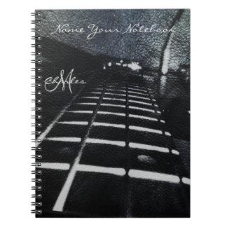 För elbasmusik för personlig svart anteckningsbok