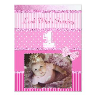 För flickaparty för första födelsedag rosa 10,8 x 14 cm inbjudningskort