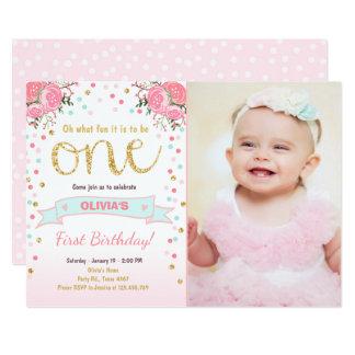 För födelsedaginbjudan för blommigt rosa guld- ro 12,7 x 17,8 cm inbjudningskort