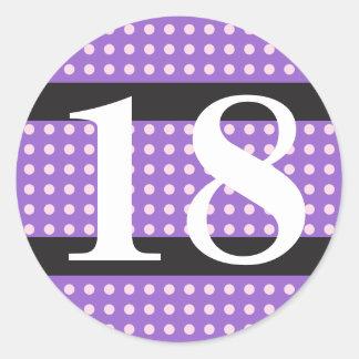 För födelsedagrosor för lilor 18th polka dots runt klistermärke