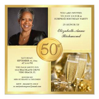 För födelsedagsfestfoto för elegantt guld 50th fyrkantigt 13,3 cm inbjudningskort