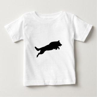 För herdeSilhouette för banhoppning tyska hundar T-shirt