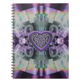 För hjärtafnurra för reflekterande Fractal Celtic Anteckningsbok