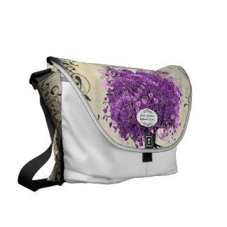 För hjärtalöv för strålpunkt purpurfärgat bröllop kurir väskor