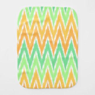 För Ikat för orange grönt mönster för randar för Bebistrasa