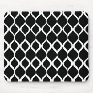 För Ikat för svart vit geometriskt mönster stam- Musmatta