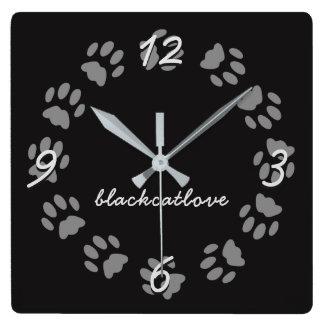 För katttass avtryck för personligen tar tid på fyrkantig klocka