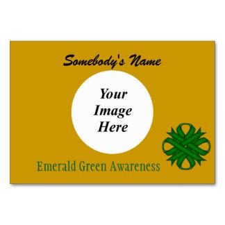 För klöverband för smaragd grön mall vid K Yoncich Bordsnummer