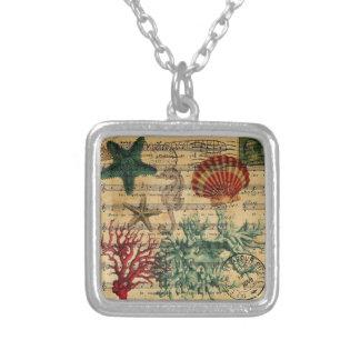 för korallseahorse för strand chic kust- snäckskal silverpläterat halsband