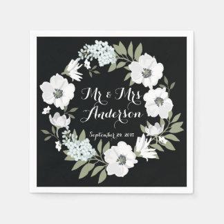 För kranbröllop för svart vit blom- servett